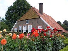 Varsseveld, Leemscherweg 24, museumboerderij 't Hofshuus uit ca 1800
