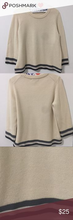 J-crew sweater Gently worn! Great for keeping you warm on those cold winter nights ☃❄️ J. Crew Sweaters Crew & Scoop Necks