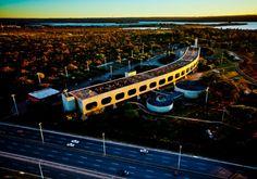 Visto de cima, o desenho do CCBB (Centro Cultural Banco do Brasil) lembra a envergadura das asas do Plano Piloto. O local foi sede do governo federal, quando o Palácio do Planalto foi reformado entre 2009 e 2010.- Bento Viana