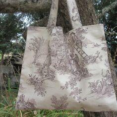 Grand sac  tote-bag/ sac à ouvrages  en toile de jouy marron tout simple et très pratique