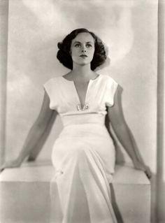 Paulette Goddard 1930's - Photo by Max Munn Autrey