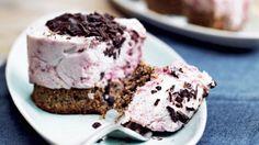 Hindbærflødekager med sprød nøddebund | Femina // cake + desert