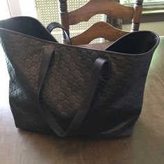 Gucci tote bag 100% Gucci tote leather bag brown/bronze color, extra large, lightly used in great condition Gucci Bags Totes