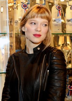 Lea Seydoux (born 1 July is a French actress and model. Lea is most well known for her roles. Mode Pop, Lea Seydoux, French Beauty, French Actress, Parisian Chic, Urban Chic, Vintage Hairstyles, Hair Inspiration, Actors & Actresses