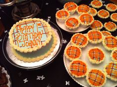 These #plaid #cupcakes & smash #cake are too cute for a 1st #birthday!