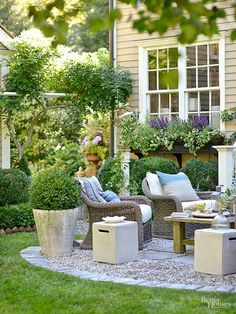 Elevated garden beds have many benefits and make growing any plant easier. Use these easy instructions to create raised garden beds in your own yard. Patio Edging, Brick Garden Edging, Garden Paths, Garden Beds, Porches, Landscape Edging, Home Landscaping, Landscaping Software, Landscaping Design