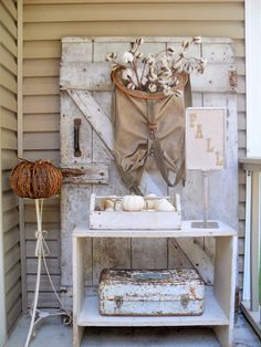 Thoughts from Alice: Six Gorgeous Fall Vignettes {Sundays at Home No. 30 Link Party & Features}