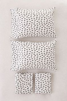 Shop Allover Eyes Sheet Set at Urban Outfitters today. We carry all the latest styles, colors and brands for you to choose from right here.