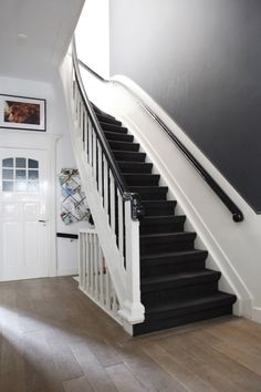 1000 images about trappen hal on pinterest wooden horse white stairs and black and white tiles - Corridor tapijt ...