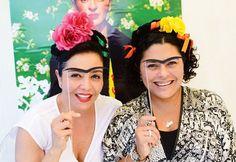 Mexican theme party - frida kahlo photobooth