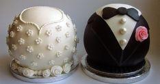 Bride and Groom Wedding Cake - Hochzeitstorte - Macarons Wedding Cake Pops, Wedding Cakes, Beautiful Cakes, Amazing Cakes, Mini Cakes, Cupcake Cakes, Macarons, Cookie Pops, Wedding Desserts