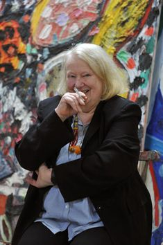 British Abstract painter extraordinaire - Gillian Ayres, born in lives in Devon and is still very active and wild with the pigment Shirley Williams, Abstract Painters, Abstract Art, Art Studios, Artist At Work, Female Art, Art History, Gallery, Image