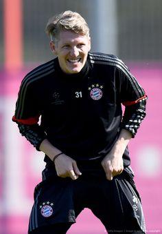 Bastian Schweinsteiger back in action in training