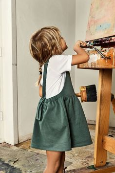 Girl's clothing, girls fashion idea and inspiration for the spring summer season. Green dress and white tee. Gray Label SS17
