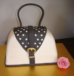 Tania& Bag Cake This is the second of three cakes for a polka dot mad friend. 60th Birthday Cakes, Birthday Cakes For Women, Girly Cakes, Cute Cakes, Fondant Cakes, Cupcake Cakes, Shoe Box Cake, Cake Decorating With Fondant, Cakes Plus