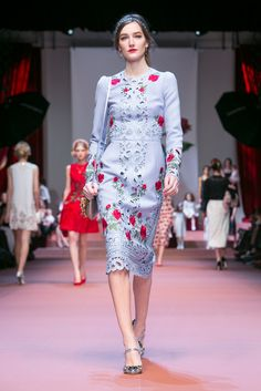 in my mind, this dress screams, Madrid!            A look from the Dolce & Gabbana Fall 2015 RTW collection.
