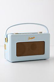 50s style radio, but plays mp3s...love the colour