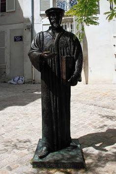 ORLEANS - Statue de Jean Calvin