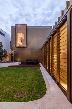 a spectacular modern family home tour in Perth.