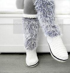 Diy Crafts - Women crochet boots pattern crochet slippers rope by Crochet Boots Pattern, Crochet Slipper Boots, Crochet Shoes, Crochet Slippers, Crochet Patterns, Crochet Ideas, Botines Casual, Yarn Store, Fashion Boots