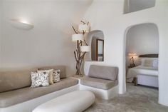 Tour Mystique, a Luxury Collection Hotel, Santorini with our photo gallery. Our Santorini hotel photos will show you accommodations, public spaces & more. Santorini Luxury Hotels, Santorini House, Santorini Greece, Design Hotel, Boutique Hotel Bedroom, Home Bedroom Design, Bedroom Ideas, Earth Bag Homes, Big Bedrooms