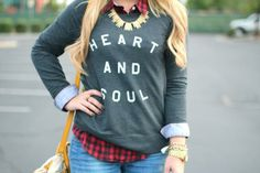 How to Dress Up A Comfy Sweatshirt this Fall | Divine Caroline #divinecaroline #sweatshirt #fall #comfy #cute #outfit