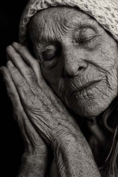 Peaceful / old age, old woman, hands, fingers, gesture, beauty, weathered, wrinckles, aged, lines of Life, cracks in time, powerful face, intense, strong, emotional, expression ... Old age is beautiful.