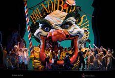 Brundibar TeatroReal  Letras corpóreas gigantes, mecanizadas en DM. www.poliespan.com