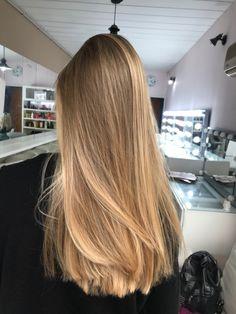 Blonde Hair Shades, Honey Blonde Hair, Blonde Hair Looks, Brunette Hair, Brown Hair Balayage, Hair Highlights, Blonde Hair Inspiration, Hair Inspo, Aesthetic Hair