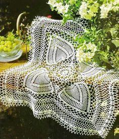 Crochet Art: Crochet Tablecloth Pattern - fabulous Square Tablecloth