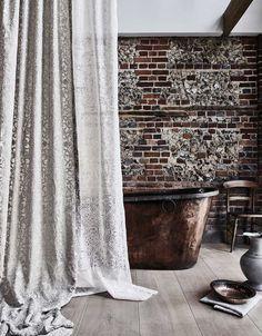 Copper Bath, Beautiful Bathroom Decor, British Design, Colorful Decor, Decor Design, Bathroom Decor, William Morris, Interior Design Projects, Morris Wallpapers