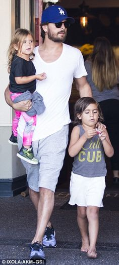 Scott Disick takes Mason and Penelope out for a dinner date