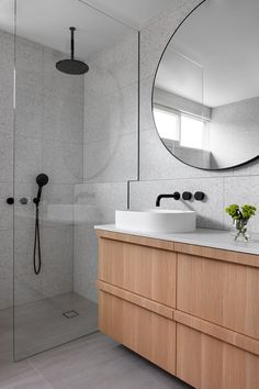 Beautiful master bathroom decor tips. Modern Farmhouse, Rustic Modern, Classic, light and airy master bathroom design ideas. Bathroom makeover tips and bathroom renovation tips. Beach Bathrooms, Laundry In Bathroom, Bathroom Renos, Grey Bathrooms, Bathroom Flooring, Small Bathroom, Bathroom Ideas, Bathroom Inspo, Bathroom Organization