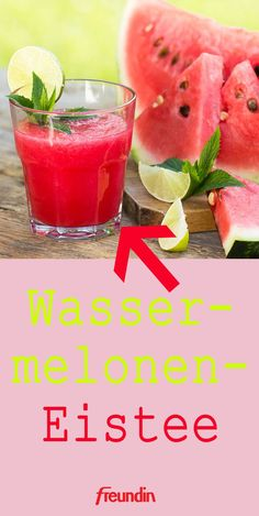 Perfekte Erfrischung bei Hitze: Wassermelonen-Eistee At the current temperatures you urgently need a cooling? Then you should definitely try our recipe for delicious watermelon iced tea! Watermelon Mint Lemonade, Mint Margarita, Watermelon Smoothies, Ginger Ale, Refreshing Summer Drinks, Homemade Lemonade, Non Alcoholic Drinks, Tea Drinks, Iced Tea