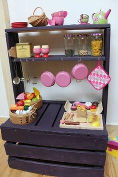 Homemade...une étagère pour sa dinette <3 cocinita de juguete