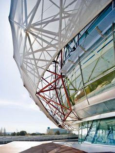 Chapa estirada para revestimientos de fachadas SOLTIS FT 381 by SERGE FERRARI®