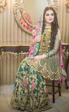 Image may contain: 1 person, standing and indoor Pakistani Mehndi Dress, Bridal Mehndi Dresses, Pakistani Bridal Makeup, Pakistani Formal Dresses, Pakistani Wedding Outfits, Bridal Dress Design, Pakistani Dress Design, Bridal Outfits, Indian Bridal