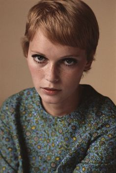 Mia Farrow rocking her short hair with cropped bangs. Credit: Getty Images Mia Farrow rocking her short hair with cropped bangs. Credit: Getty Images - via StyleList Celebrity Pixie Cut, Celebrity Beauty, Pixie Mia Farrow, Rosemaries Baby, Terry O Neill, Best Pixie Cuts, Actrices Hollywood, My Hairstyle, Hairstyle Ideas