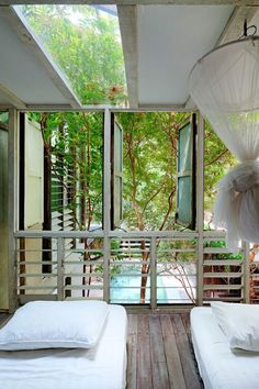 Modern Thai Home Inspiration: Beautiful Images Captured By Photographer Soopakorn Srisakul - Home Decor From Pepi Modern Tropical House, Tropical Houses, Thai House, Asian Home Decor, Farm Stay, Outside Living, Prefab Homes, Facade House, My Dream Home