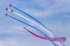 RAF Red Arrows in BAE Hawk T1 trainers Farnborough International Airshow Farnborough Airport Rushmoor Hampshire England  www.alamy.com/image-details-popup.asp?ARef=FC3240  #raf #red #team #jet #airplane #air #plane #display #aviation #airshow #force #hawk #arrows #flight #aerobatic #formation #sky #smoke #aircraft #royal #show #teamwork #military #flying #speed #fast #stunt #british #pilot #wing