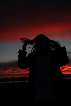 Shadow Photography, Sunrise Photography, Tumblr Photography, Girl Photography Poses, Creative Photography, Nature Photography, Girl Shadow, Profile Pictures Instagram, Shadow Pictures
