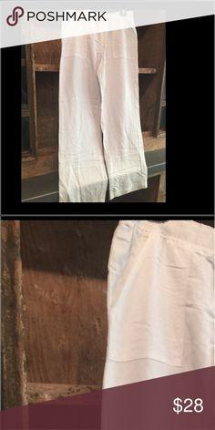Karen Kane white linen pants w/pockets. Comfy flair pant. Size medium. New/no tag Karen Kane Pants Boot Cut & Flare