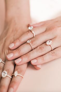 From classic simple, to vintage and modern, find trending engagement rings on JamesAllen.com.