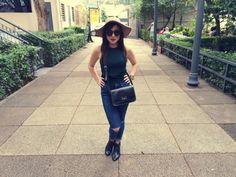 Look do dia / Outfit - chapéu, jeans rasgado, bota (schutz, topshop, forever 21).