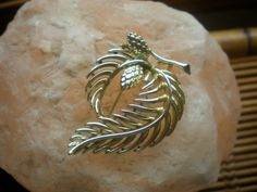 Lisner leaf and pine cone gold brooch clearance