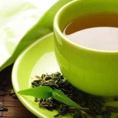 Adding 2 to 4 cups green tea to your diet can fight obesity by blocking the creation of fat cells by reducing glucose uptake in fat tissue while stimulating glucose uptake in skeletal muscle Tea Benefits, Health Benefits, Natural Fat Burners, Oolong Tea, Hcg Diet, Green Tea Extract, Reduce Belly Fat, Brain Food, Eat Right