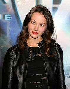 Amy Acker, Happy Town, Much Ado About Nothing Root And Shaw, Amy Acker, Stunning Brunette, Joss Whedon, American Actress, Google Images, Tv Shows, Hollywood, Leather Jacket
