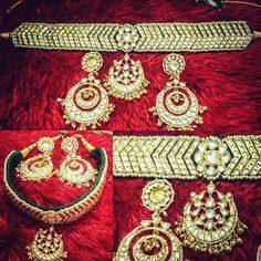 Oh my! Look at this beauty. This choker set is a stunner. It's a very traditional design but at the same time extremely striking. I think this is one piece that you can come back to time and again! I can't take my eye of it can you? For purchases email me at designerayushkejriwal@hotmail.com or what's app me on 00447840384707 We ship WORLDWIDE. #sarees#saris#indianclothes#womenwear #anarkalis #lengha #ethnicwear #fashion #ayushkejriwal#Bollywood #vogue #indiandesigners #handmade…