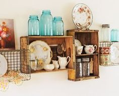 Vintage soda crate and wire basket shelves. LOVE, need to try this in the new kitchen Vintage Wire Baskets, Vintage Crates, Vintage Decor, Wooden Crates, Metal Baskets, Wooden Boxes, Hanging Baskets, Wire Basket Shelves, Crate Shelves
