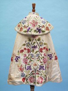 Gallery.ru / Фото #37 - платья с вышивкой - ninmix